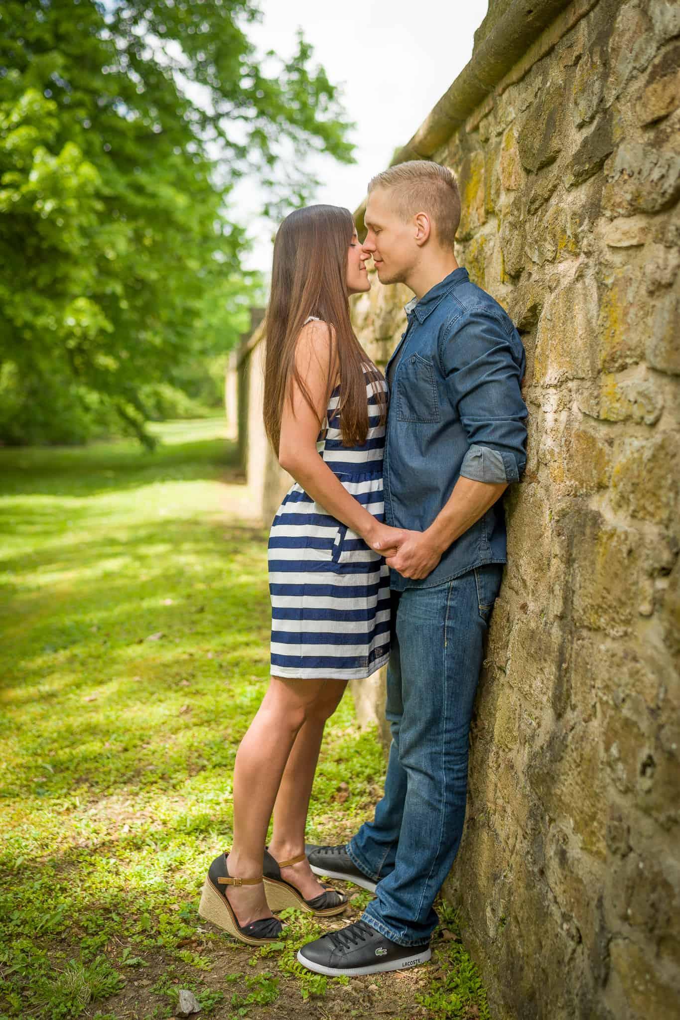 Paarfoto verliebt Coupleshoot aufgenommen von Fotograf in Alzey www.janweber.photography